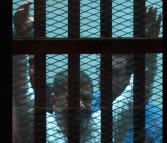 エジプト元大統領に禁錮20年の判決