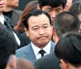 韓国大統領「残念」首相辞意を受け入れ