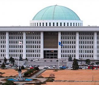 韓国国会、安倍首相米演説糾弾決議案を採択
