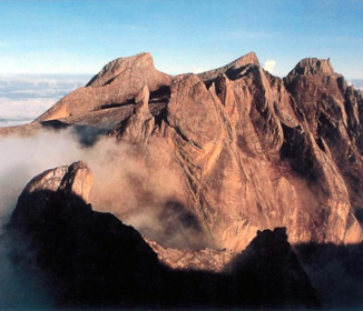 ボルネオ島でM6の地震《日本人登山客らが足止め》負傷者も
