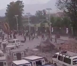 <ネパール地震>死者6600人超える 発生1週間