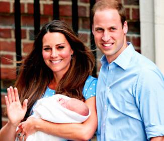ロイヤルベイビーお披露目!英国25年ぶりのお姫様の姿に祝福ムードも最高潮!