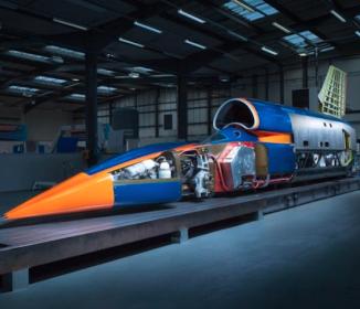 馬力はF1マシン180台分、時速1000マイル目指す超音速車が英国で公開