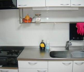 親が病気になり実家に一週間帰省。帰宅したら夫に台所を整頓されて、自分の居場所がなくなっていた
