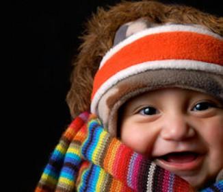 まだ言葉もわからない赤ちゃんが大声で笑うのはなぜ?