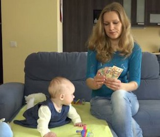 離婚で母子世帯となった人で、離婚後4年たっても養育費を受けているのは15.6% 原因は協議離婚の時、口約束がほとんどなため