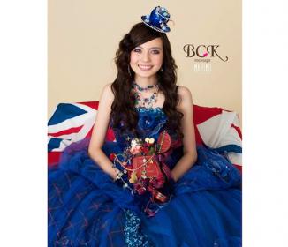 ベッキーデザインのウェディングドレス着た鬼女涙目