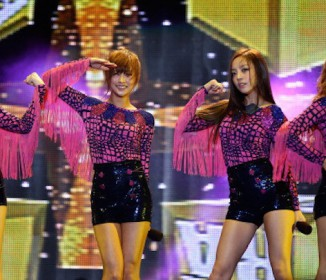 SMAP解散に紛れて、韓流アイドルグループKARAが解散…賃金1万円の黒い噂