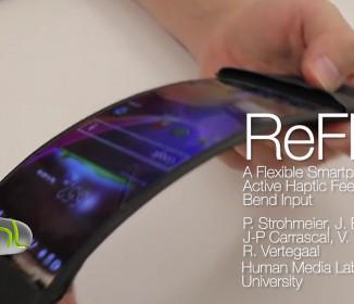 ぐにゃぐにゃ自在に曲げられる世界初のスマホ「ReFlex」が発表される