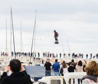 2016年、人は空を自由に飛ぶ! 未来を引き寄せたホバーボード「Flyboard Air」をフランスで見た!!