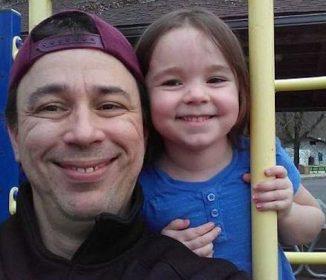 【驚愕】失踪した娘を探して2年・・・娘はなんとホームレスのための家にいた!?父と娘の感動秘話!