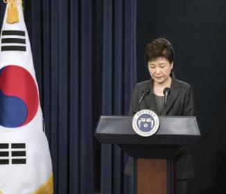 コラム一覧 著者一覧 紙面 国民の怒りは沸点…韓国・朴槿恵大統領に「暗殺」の恐れが高まる!!!