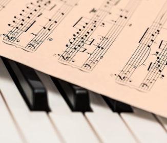JASRACさん 音楽教室で演奏する曲からも著作権料を貰う方針