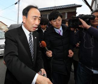 籠池氏、調査に「首相から100万円」 官房長官は否定