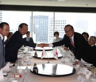 日本側、来日の韓国議員に冷ややか対応 首相は会わず 公明代表「約束守られず」