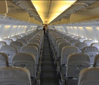 客室乗務員、客から「盗撮被害」が6割 逆上やクレーム恐れ、泣き寝入りが多数